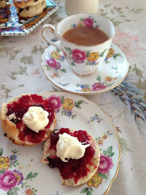 Tea with scone